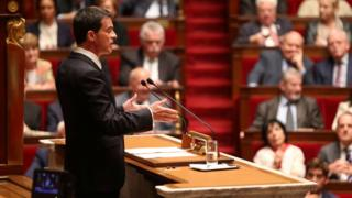 French Prime Minister Manuel Valls addresses parliament. 10 May 2016