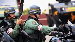 Dos agentes de la Guardia Nacional