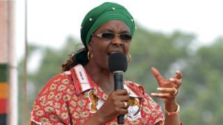 Grace Mugabe yagirizwa guhohotera umuranzi w'imideri mw'ihoteli i Johannesburg