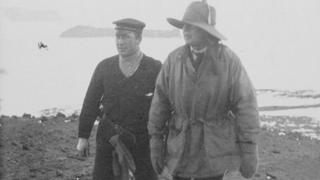 Captain Colbeck (left) and Captain Scott