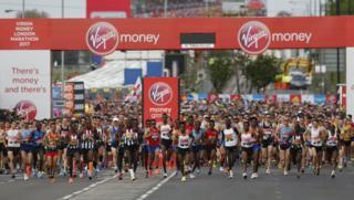 По данным организаторов, в марафоне зарегистрировались более 40 тыс. участников