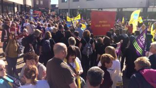 Durham teaching assistants rally