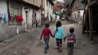 أطفال لاجئون سوريون في تركيا