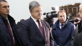 Петро Порошенко на заводі
