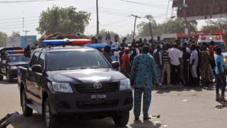 買い物客で混雑するマイドゥグリの市場で自爆攻撃は起きた(11日)