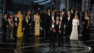 Moment that the wrong award was announced at the Oscars last year