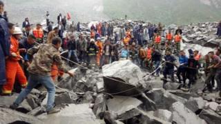 省阿壩州茂縣境內一處山體周六(6月24日)凌晨6點左右發生高位垮塌,導致46戶家庭超過141人被掩埋