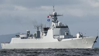 Китайський есмінець класу 052D біля берегів Гонконгу, 7 липня 2017