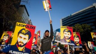 """Hundreds of people take part in the march entitled """"A shout for freedom"""" to promote an amnesty law that allows the release of jailed members of the Venezuelan opposition, in Caracas, Venezuela, 20 February 2016."""