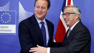 """Britain""""s Prime Minister David Cameron poses with European Commission President Jean-Claude Juncker (R) ahead of a meeting at the EU Commission headquarters in Brussels, Belgium, 29 January 2016"""