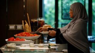 Restoran halal Al Meroz di Bangkok, Thailand.