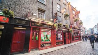 Zona de pubs en Dublín, República de Irlanda