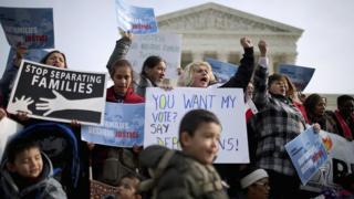 Protestors advocating for migrants