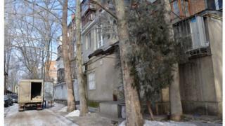 Мужчина бил девушку и три дня держал у себя в квартире в Николаеве, говорят в полиции