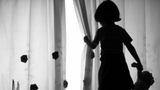 Hindistan'da hükümetin yürüttüğü bir çalışmaya katılan çocukların yüzde 53,22'si de bir tür cinsel tacize maruz kaldıklarını anlatmıştı