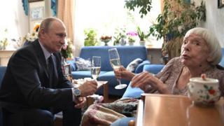 Путин и Алексеева