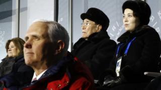 五輪開会式で、ペンス氏は、北朝鮮代表団のすぐ前列に座っていた