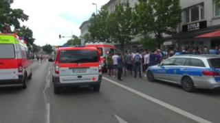 Emergency services vehicles at the scene of the attack in central Reutlinger (24/07/2016)