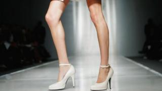 modelin ayağı