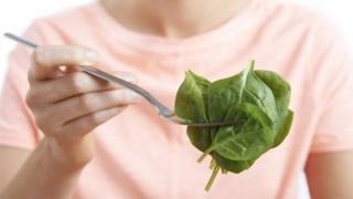 ผักโขมและผักสีเขียวช่วยลดความเสี่ยงการเกิดมะเร็ง