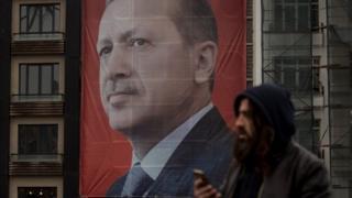 Aftida ka dhacaysa Turkiga bisha dambe waxay kordhin doontaa awoodaha Erdogan