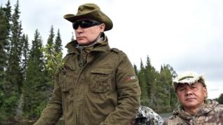 Путин за рулем катера