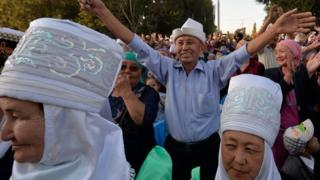People attend an election meeting in Tokmok, Kyrgyzstan. Photo: 22 September 2017