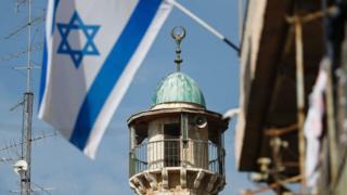 Mimbari ya msikiti nchini Israel ilio na kipaza sauti