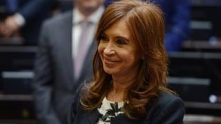Elle est poursuivie pour entrave à l'enquête sur l'attentat contre une mutuelle juive qui avait fait 85 morts en 1994.