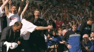 Arsene Wenger yatsinze ubwa mbere ihiganwa rya FA Cup ari muri Arsenal mu 1998 bahura na Newcastle
