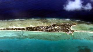 Кирибати - островное государство, расположенное на островах и атоллах в центральной и западной части Тихого океана