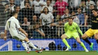 دوري أبطال أوروبا: ثلاثية لرونالد في اتليتكو تقرب ريال مدريد من النهائي