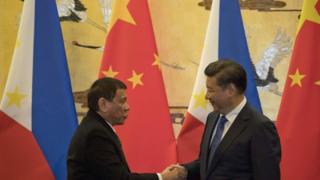 Ông Duterte và ông Tập tại Bắc Kinh hôm 20/10/2016