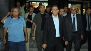Van Valisi İbrahim Taşyapan Çaldıran'daki oprasyonlar sırasında yaralanan askerleri ziyaret etti.