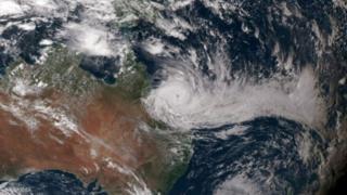 Австралияны тропикалык циклон каптады