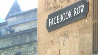 Facebook Row tabelası