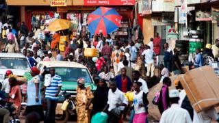 Многие экспаты живут в Кампале, где большинство владеет английским языком
