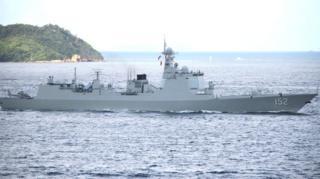 济南号驱逐舰进入维多利亚港(台湾中央社图片7/7/2017)
