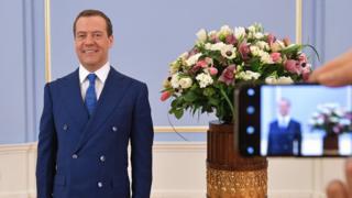 Дмитрий Медведев и цветы