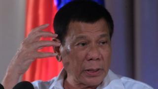 Президент Філіппін заявив, що особисто убив трьох підозрюваних у торгівлі наркотиками