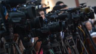 ยุวดี ธัญศิริ, สื่อมวลชน, ไทย, สมาคมนักข่าวนักหนังสือพิมพ์แห่งประเทศไทย, เจ๊ยุ, ทำเนียบ, นักข่าว, บางกอกโพสต์