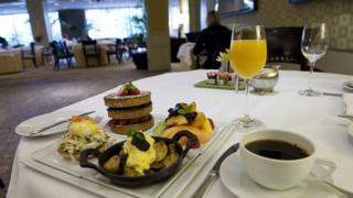 Стол, сервированный в гостиницы Four Seasons