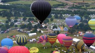 Balloon Fiesta, Sunday am ascent