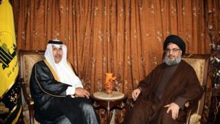 حمد بن جاسم آل ثان في لقاء مع الأمين العام لحزب الله اللبناني حسن نصر الله سنة 2010