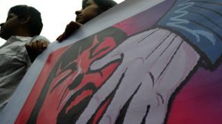 गैंग रेप के ख़िलाफ़ विरोध प्रदर्शन