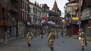 Ingwano yo kwiyonkora kw'akarere ka Kashmir kagenzurwa n'Ubuhindi imaze guhitana abantu barenga 80 mu ndwi cumi ziheze