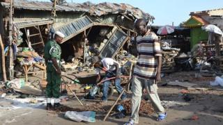 Mais selon l'hebdomadaire l'Œil du sahel, 15 personnes ont été tuées et au moins huit enlevés durant cette l'attaque attribuée à Boko haram.