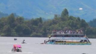 Boat sinks neat Guatape