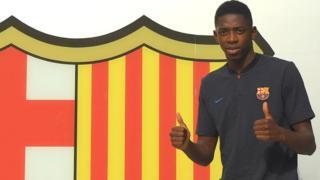 Ousmane Dembélé a signé un contrat de 5 ans avec le FC Barcelone.