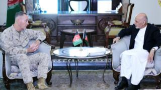رئیس ستاد مشترک ارتش آمریکا روز دوشنبه ۵ سرطان/تیر در یک سفر از پیش اعلام نشده به کابل آمد